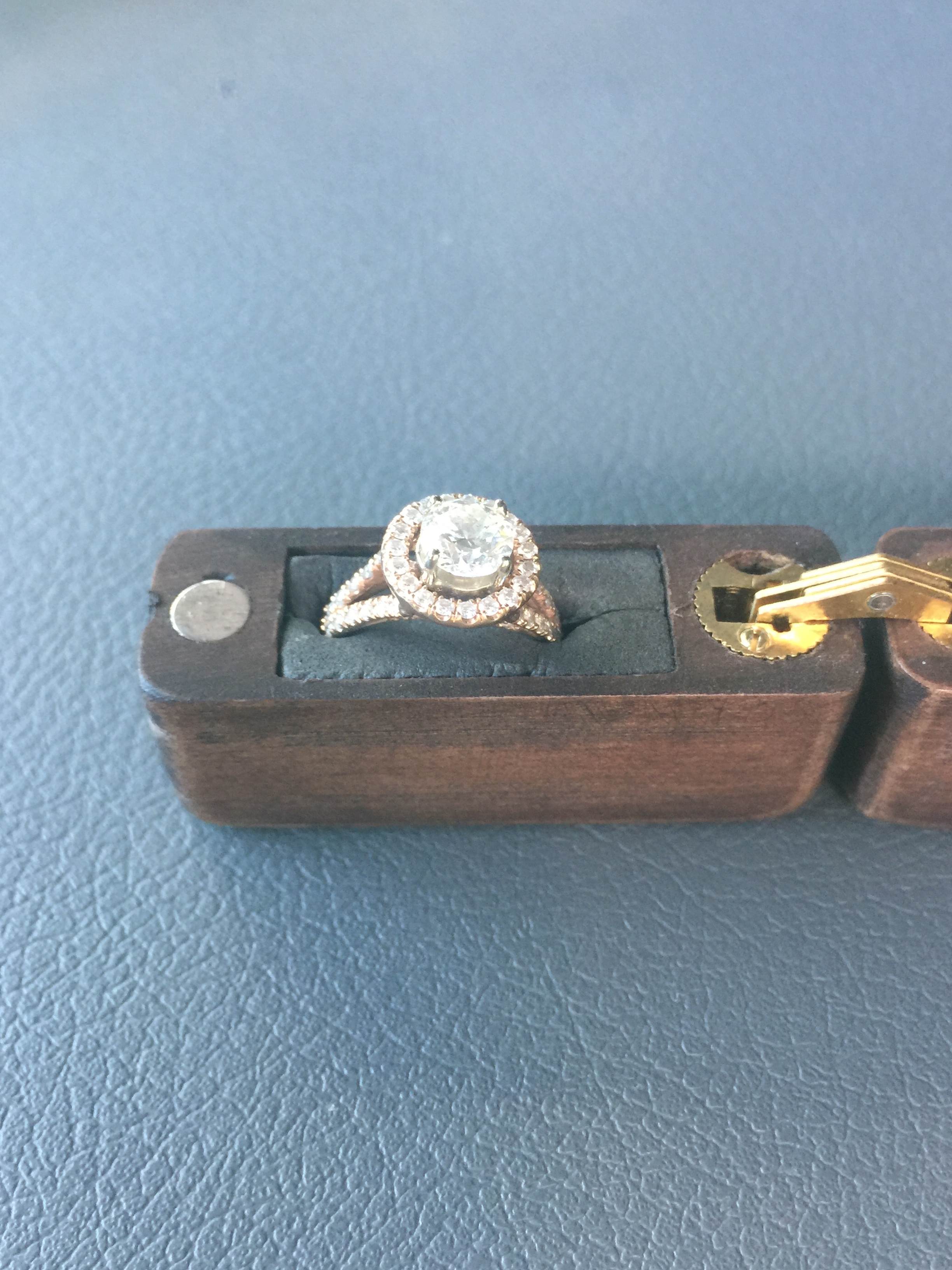 Engagement Ring 1.03 CT
