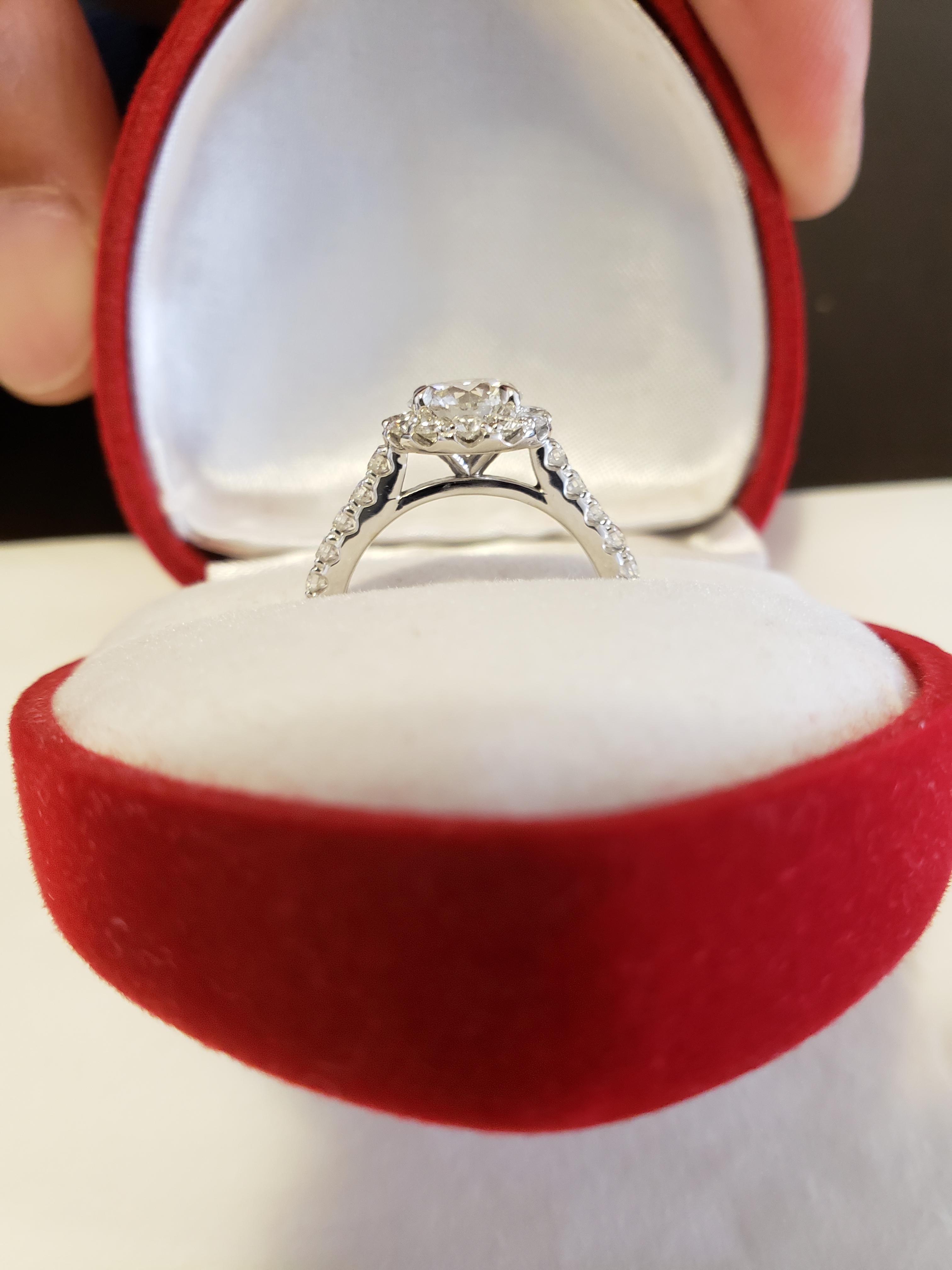 Engagement ring GIA Certified