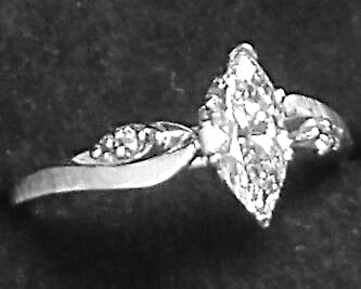 MARQUISE DIAMOND ENGAGEMENT RING(.54ct)(I-J)(VS1)