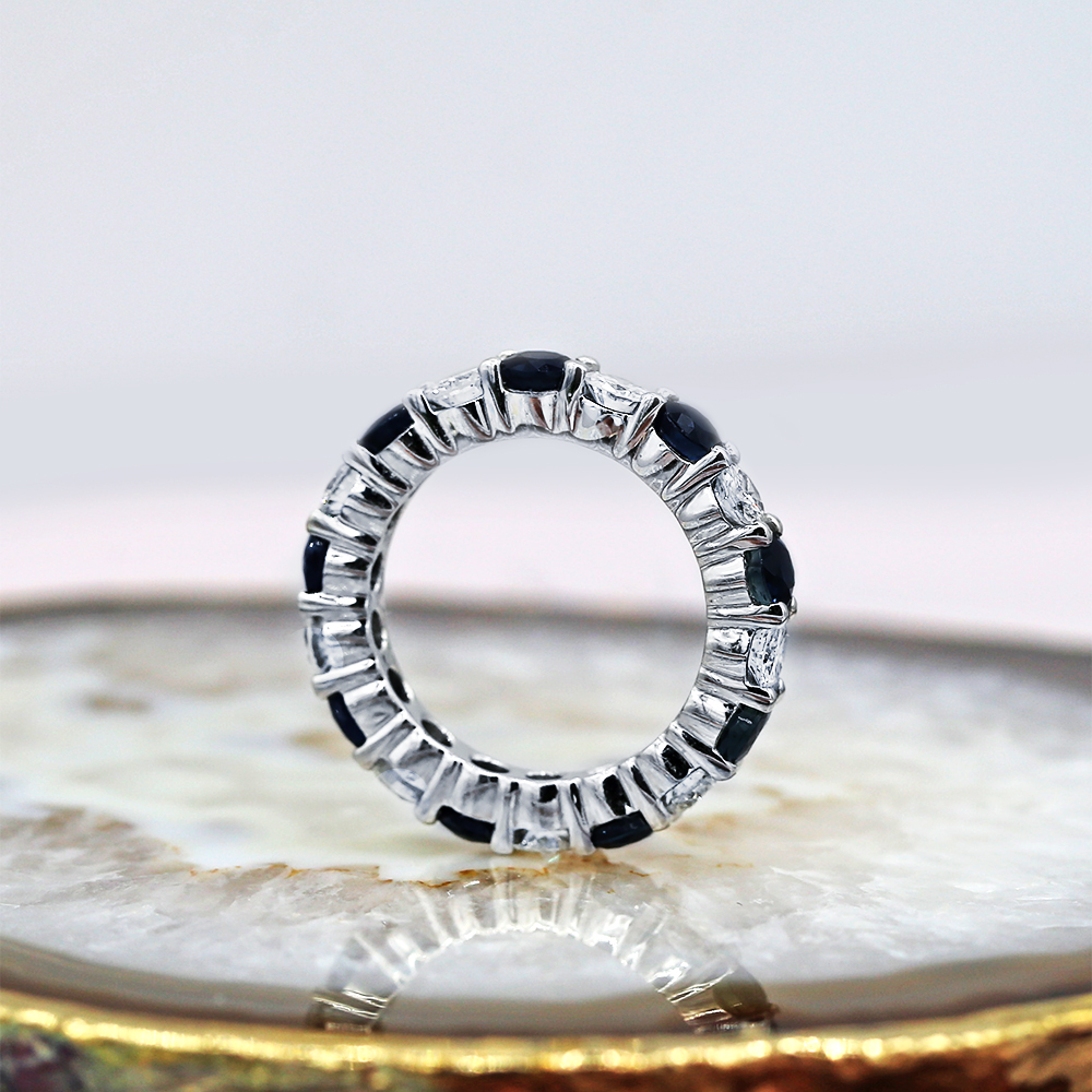 Charming Eternity band with
