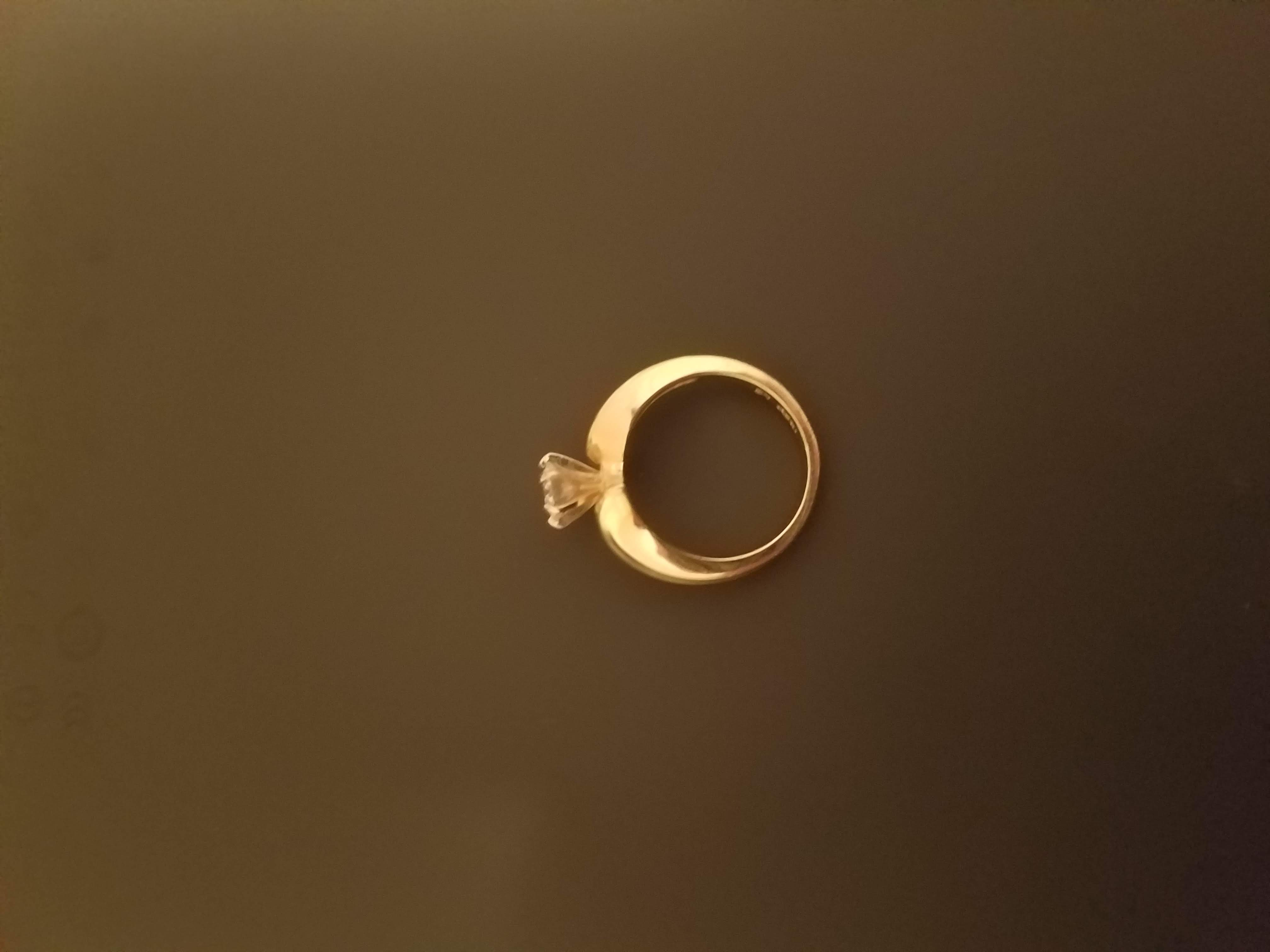 Stunning 14k yellow gold