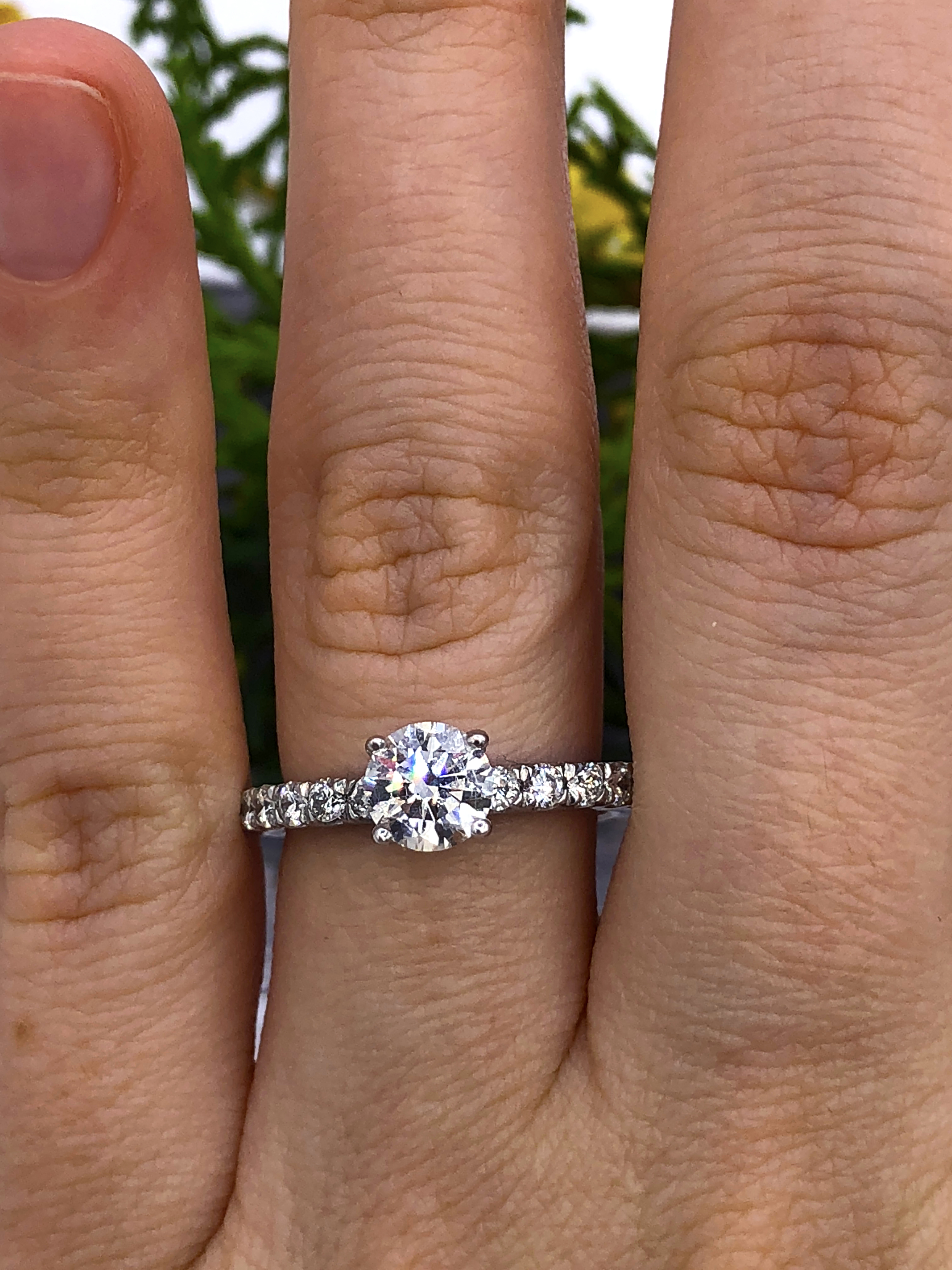 89b90940bb9 SOLD!!!1.40 carat classic round shaped diamond engagement ring