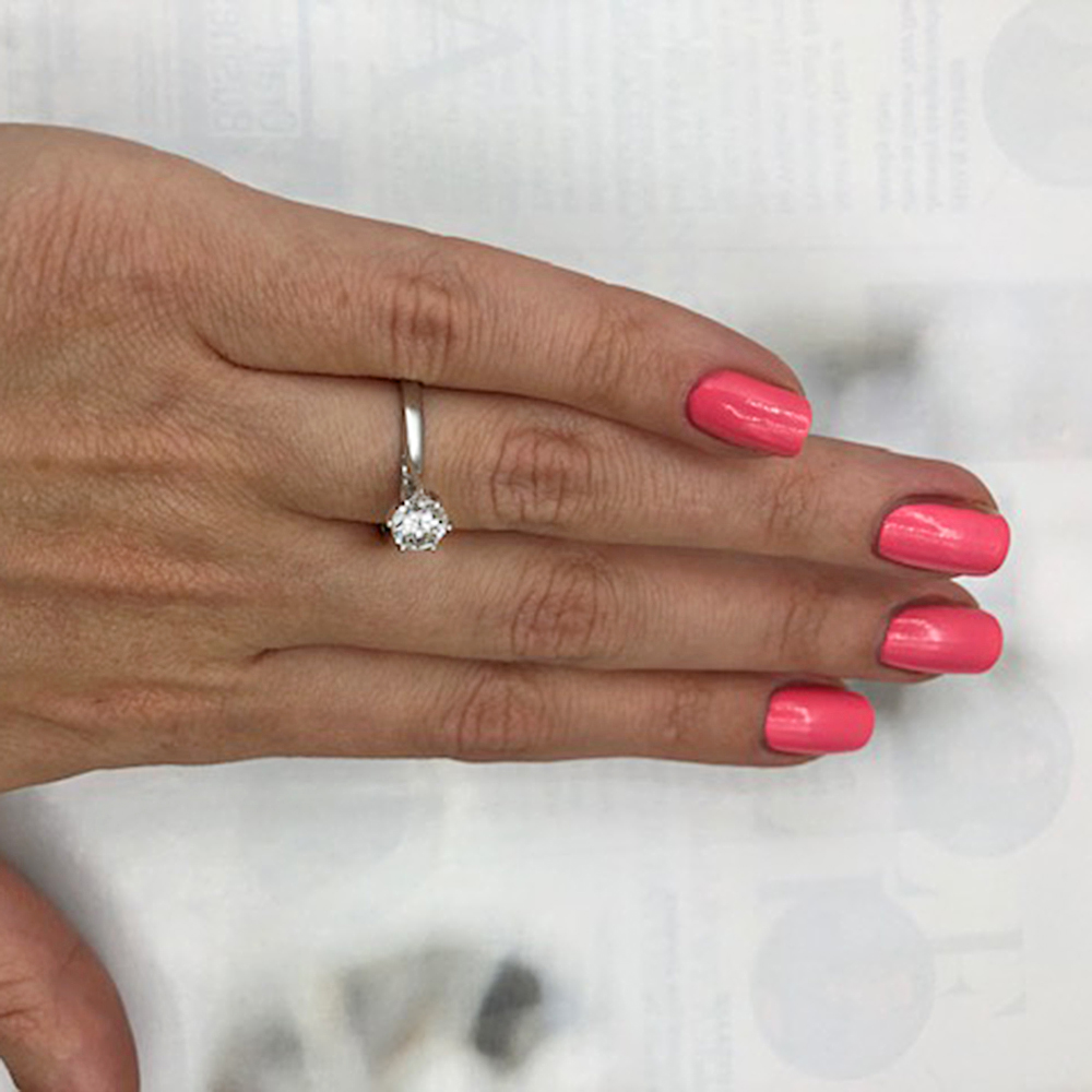 CLASSIC ENGAGEMENT RING Video