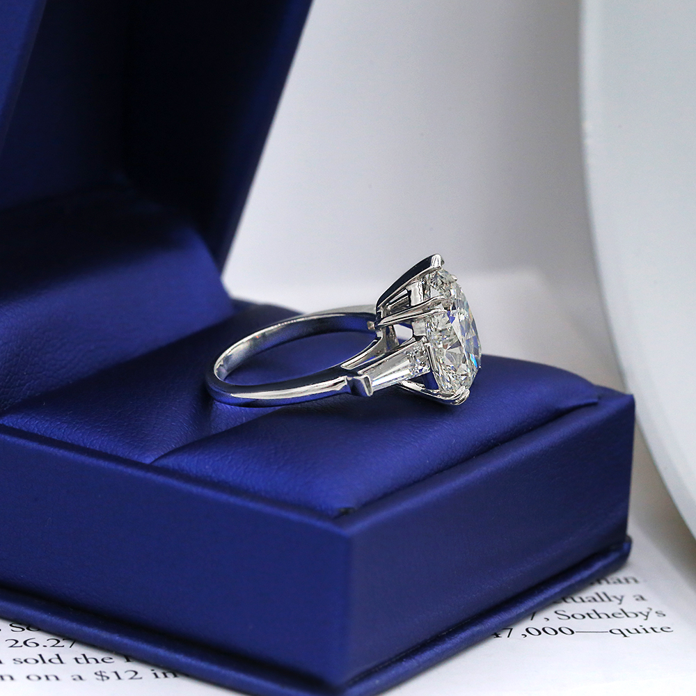 Amazing Platinum Engagement Ring