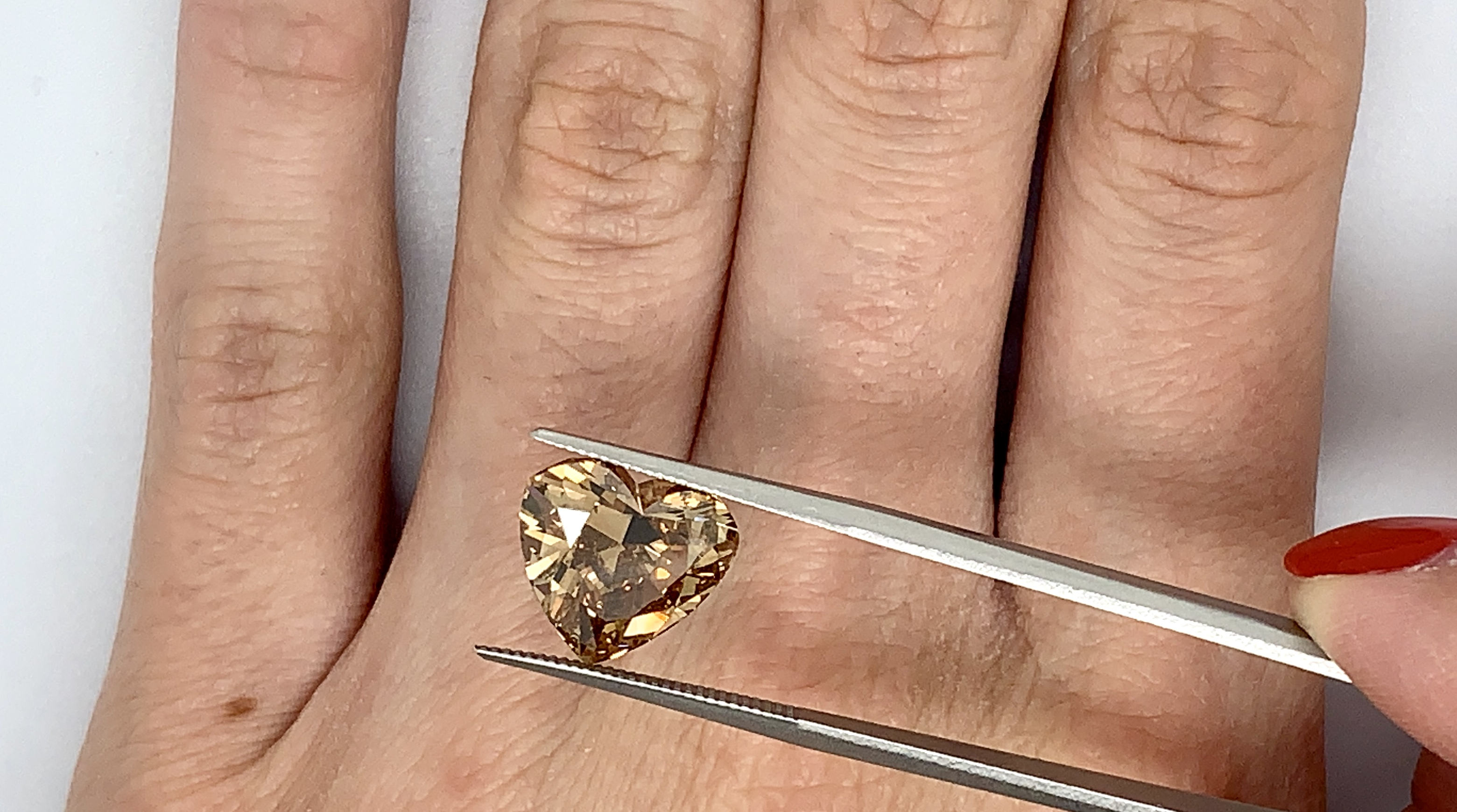 5.02 ct Fancy Deep