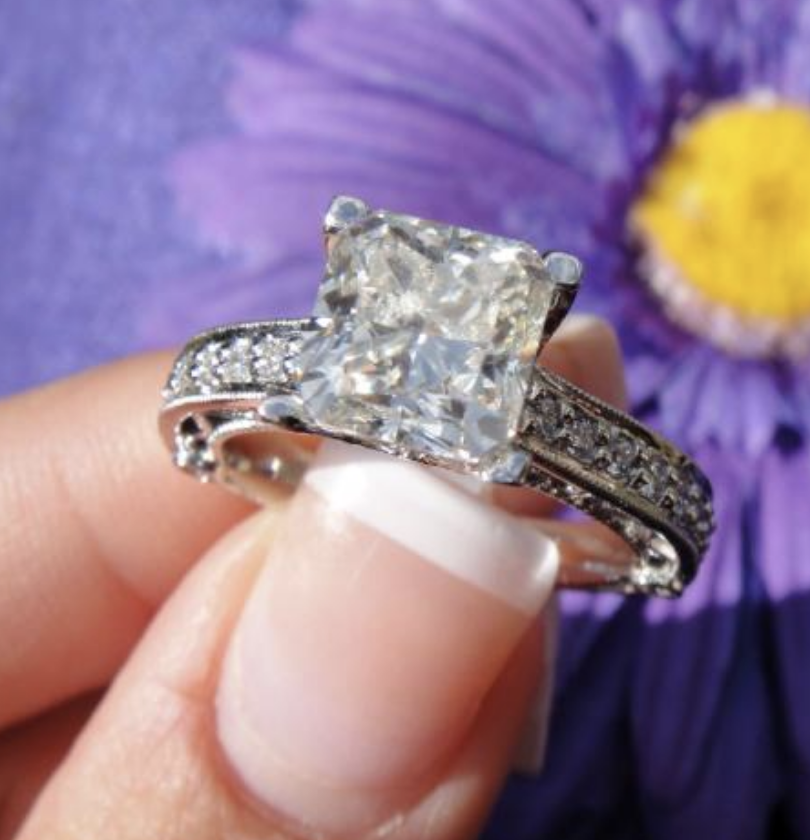 1.9 carat Ring with