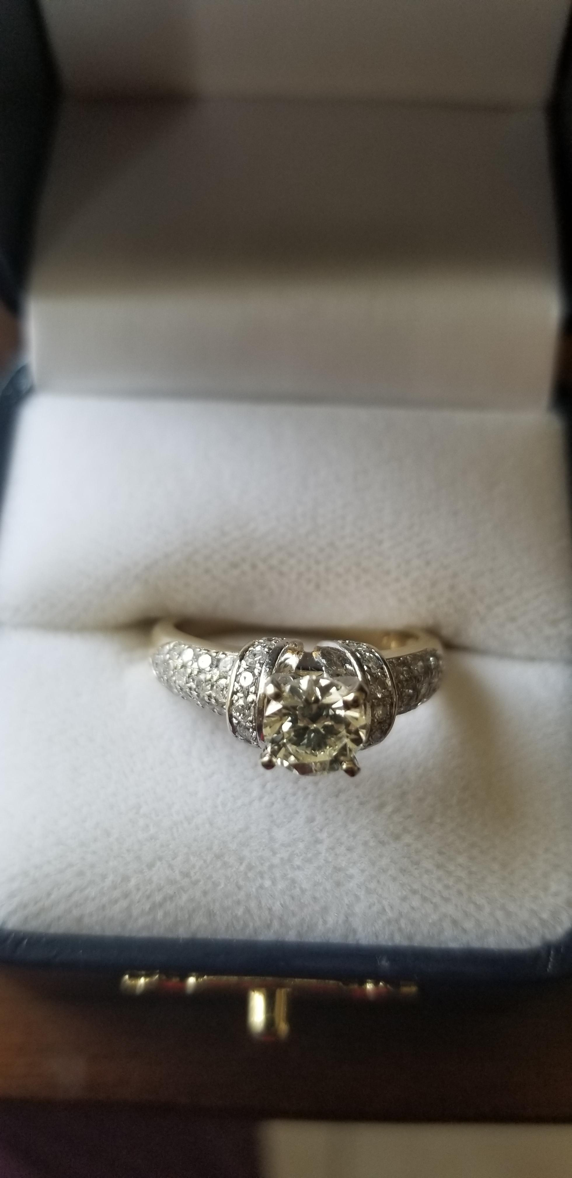 14K Yellow Gold Round