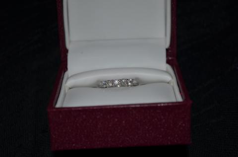 HELZBERG DIAMONDS WOMAN'S MASTERPIECE