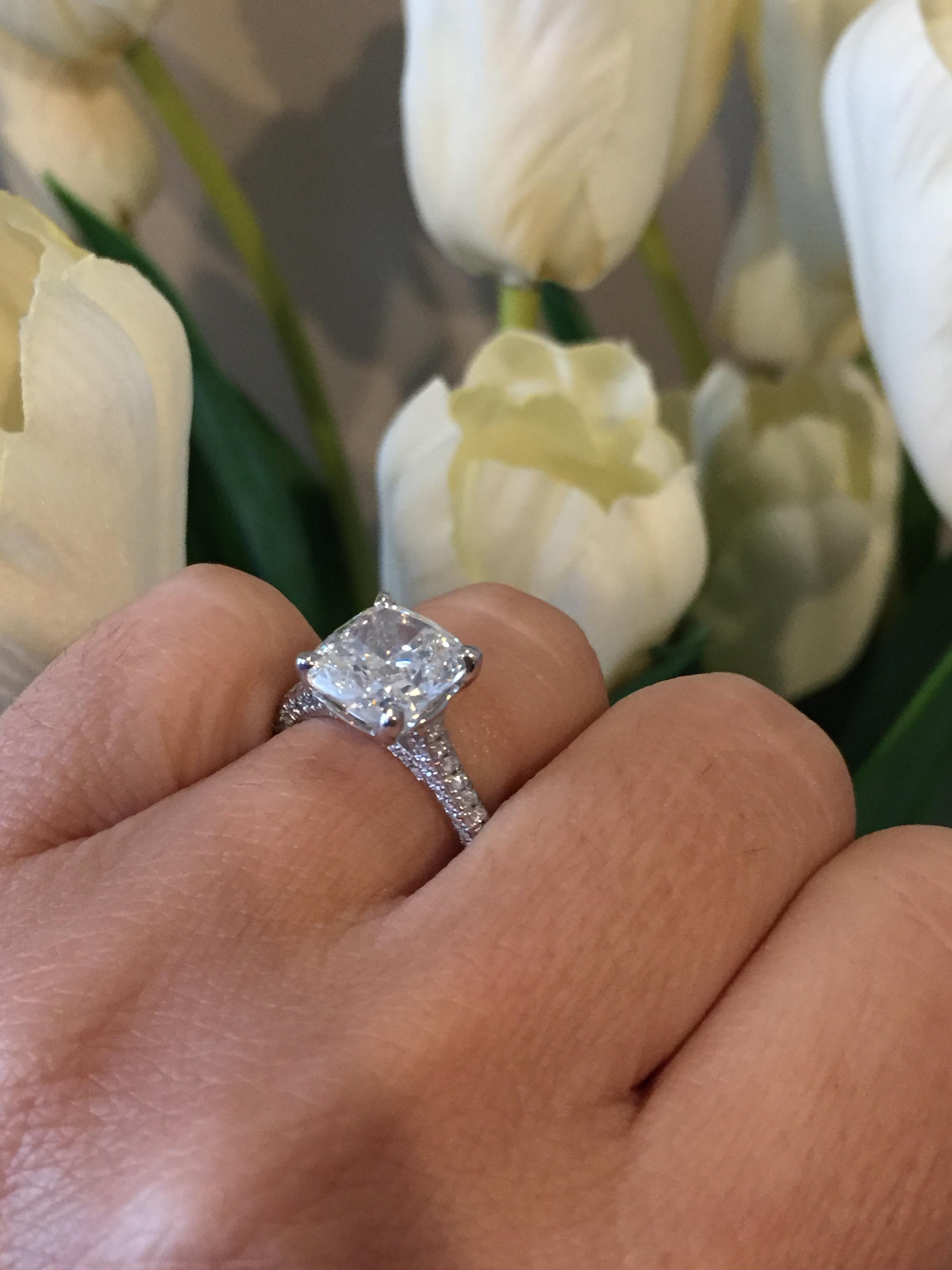 4.09ct  cushion cut