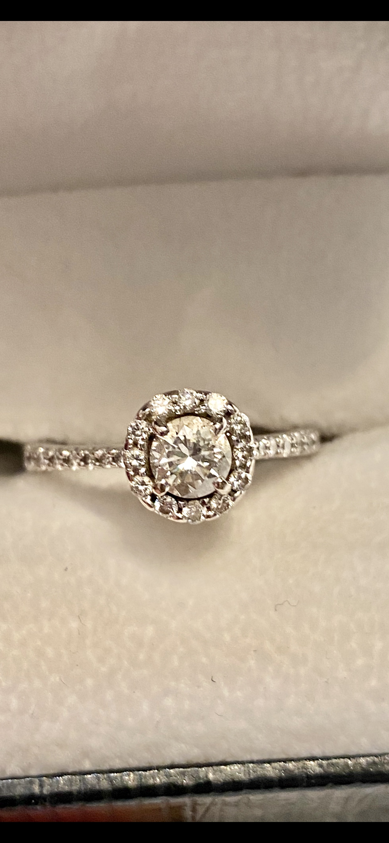 1.22 TW Engagement Ring