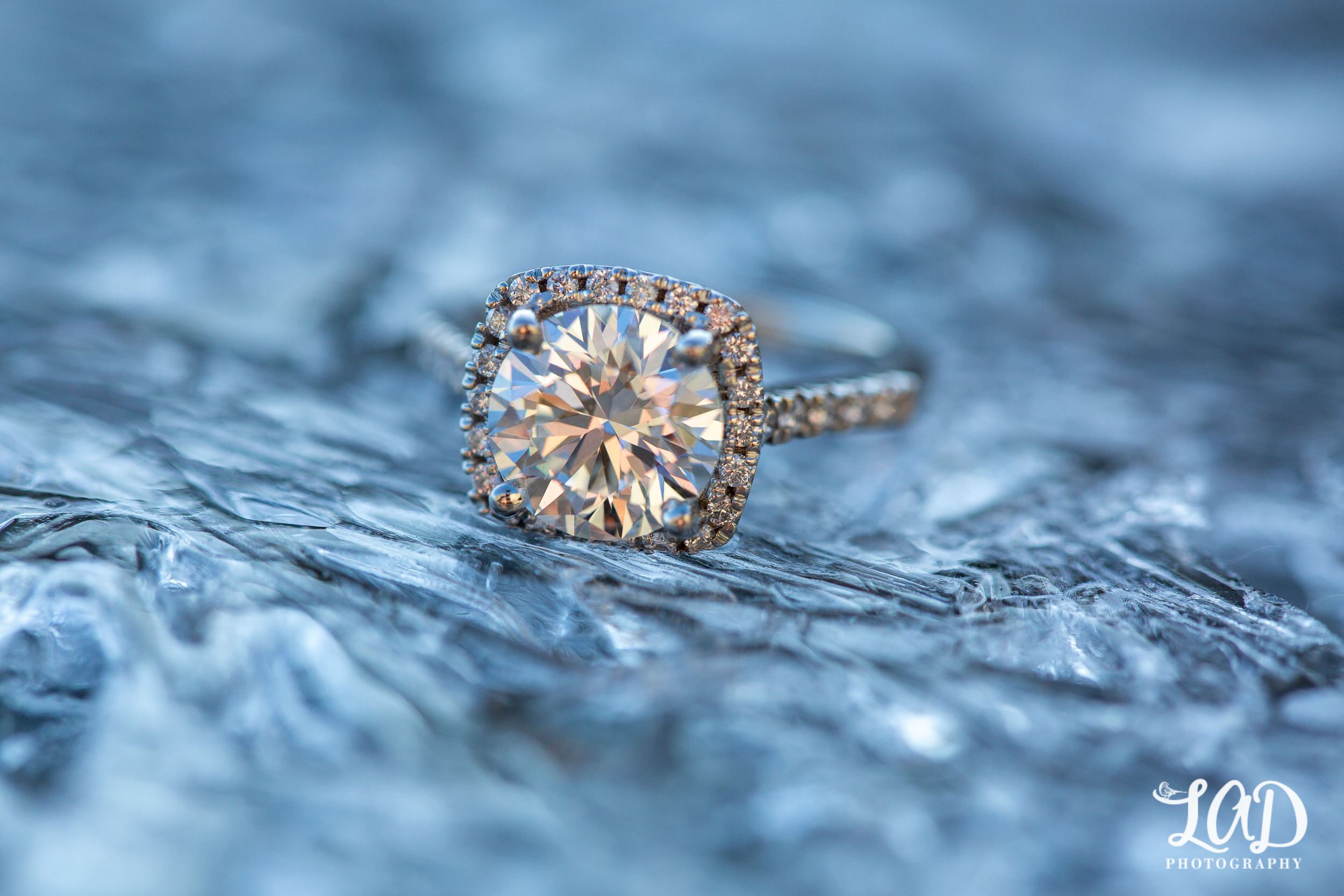 Engagement ring- Round diamond