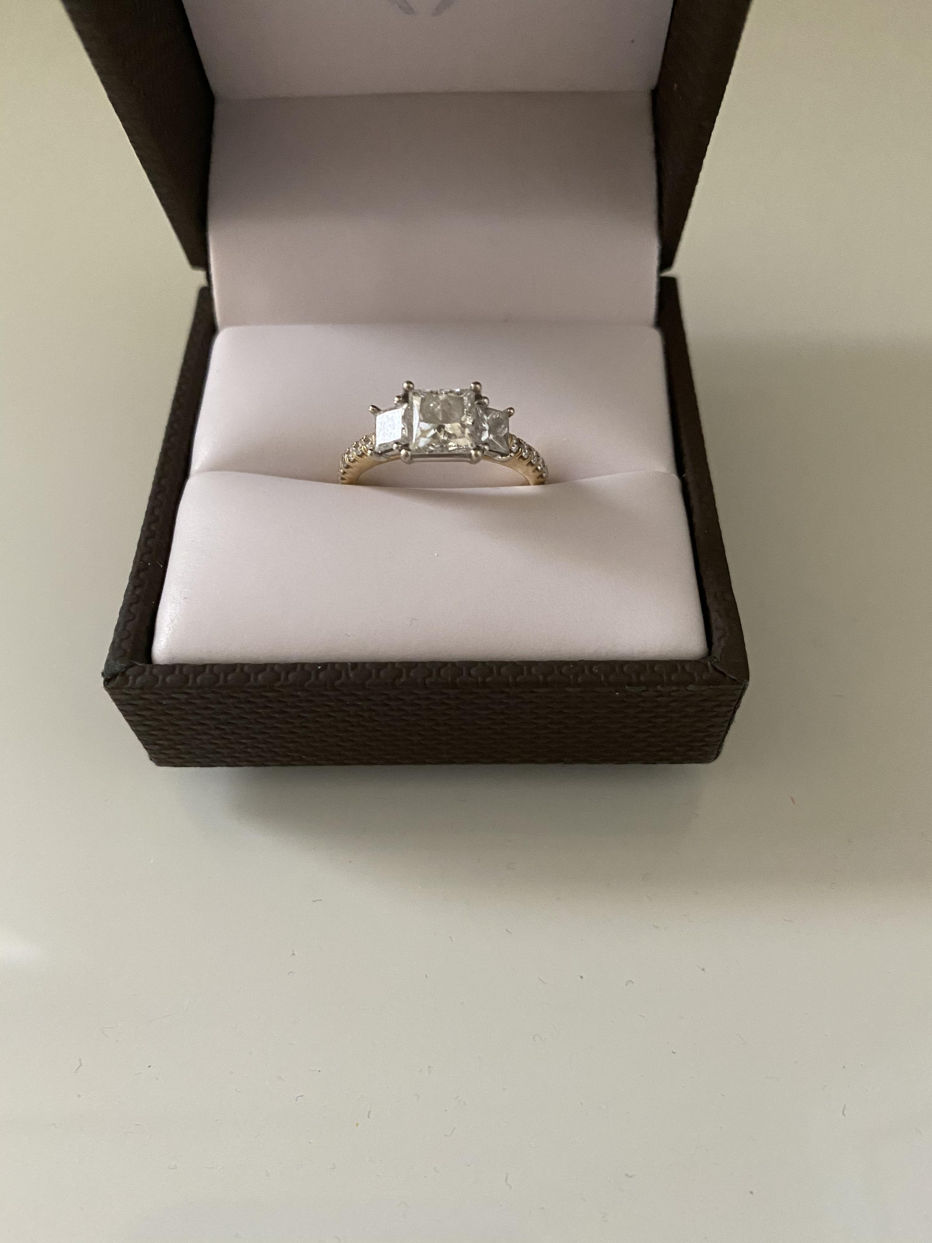 Princess cut 14K white