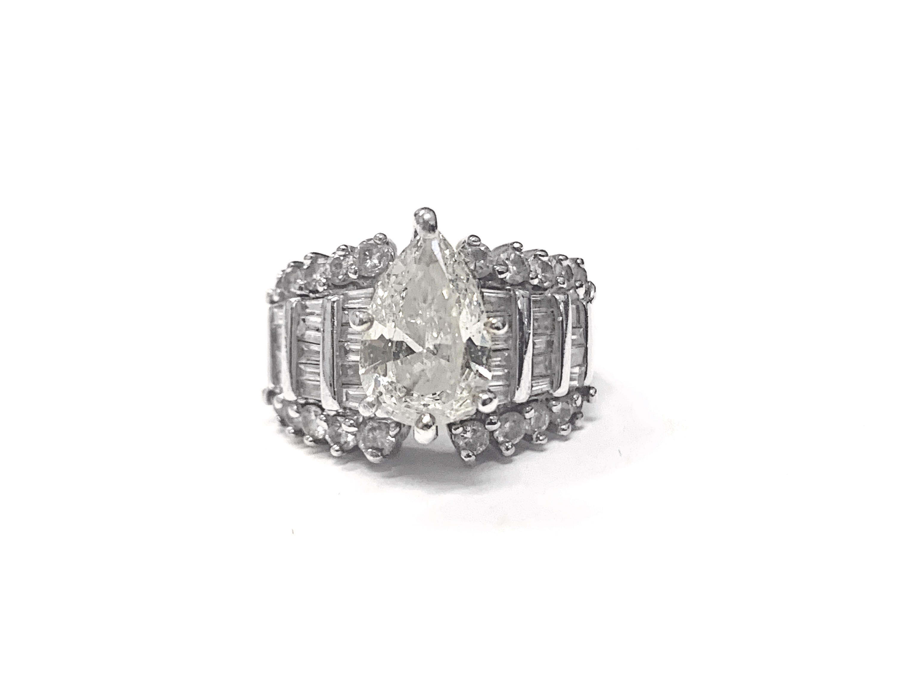 3.30 ctw Marquise Diamond