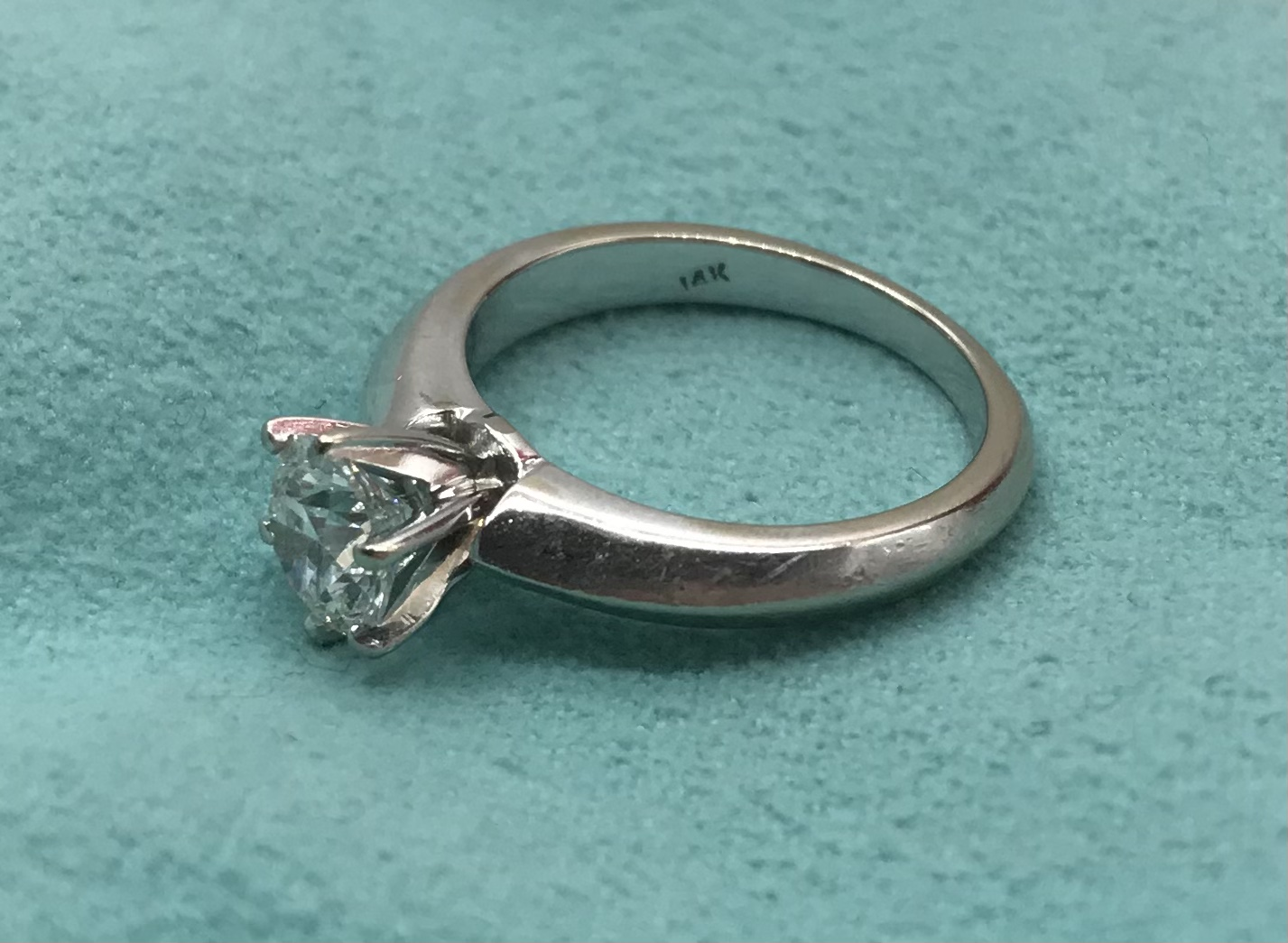 Solitaire diamond ring Tiffany