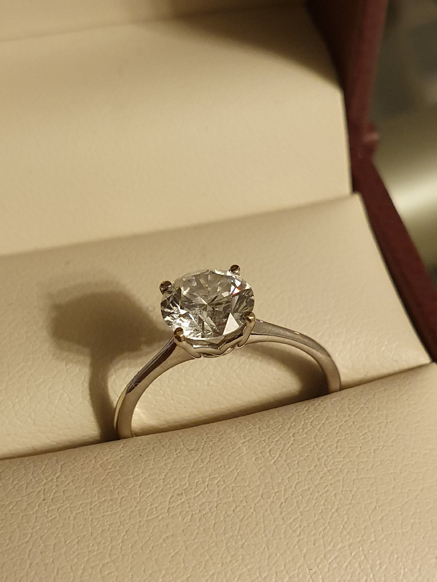 Engagement ring for sell
