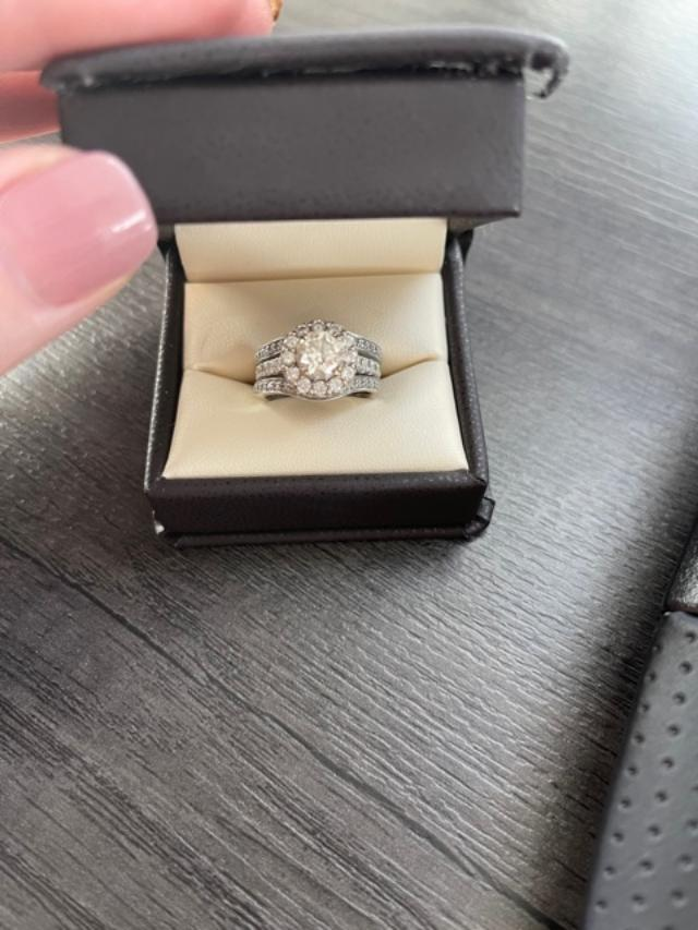 Beautiful halo ring with