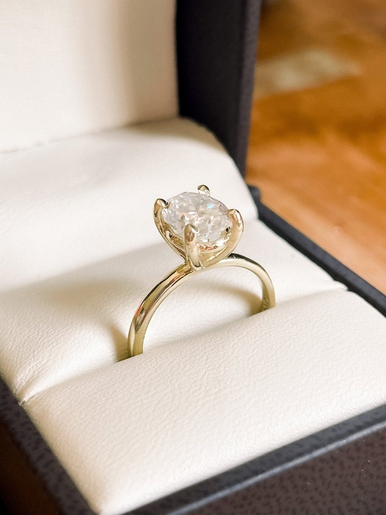 2 CT CERTIFIED Oval