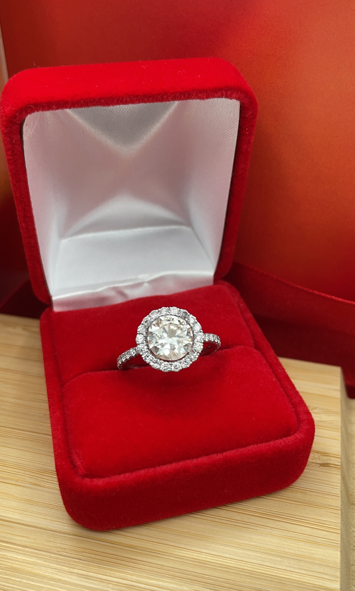 Absolutely breathtaking engagement ring