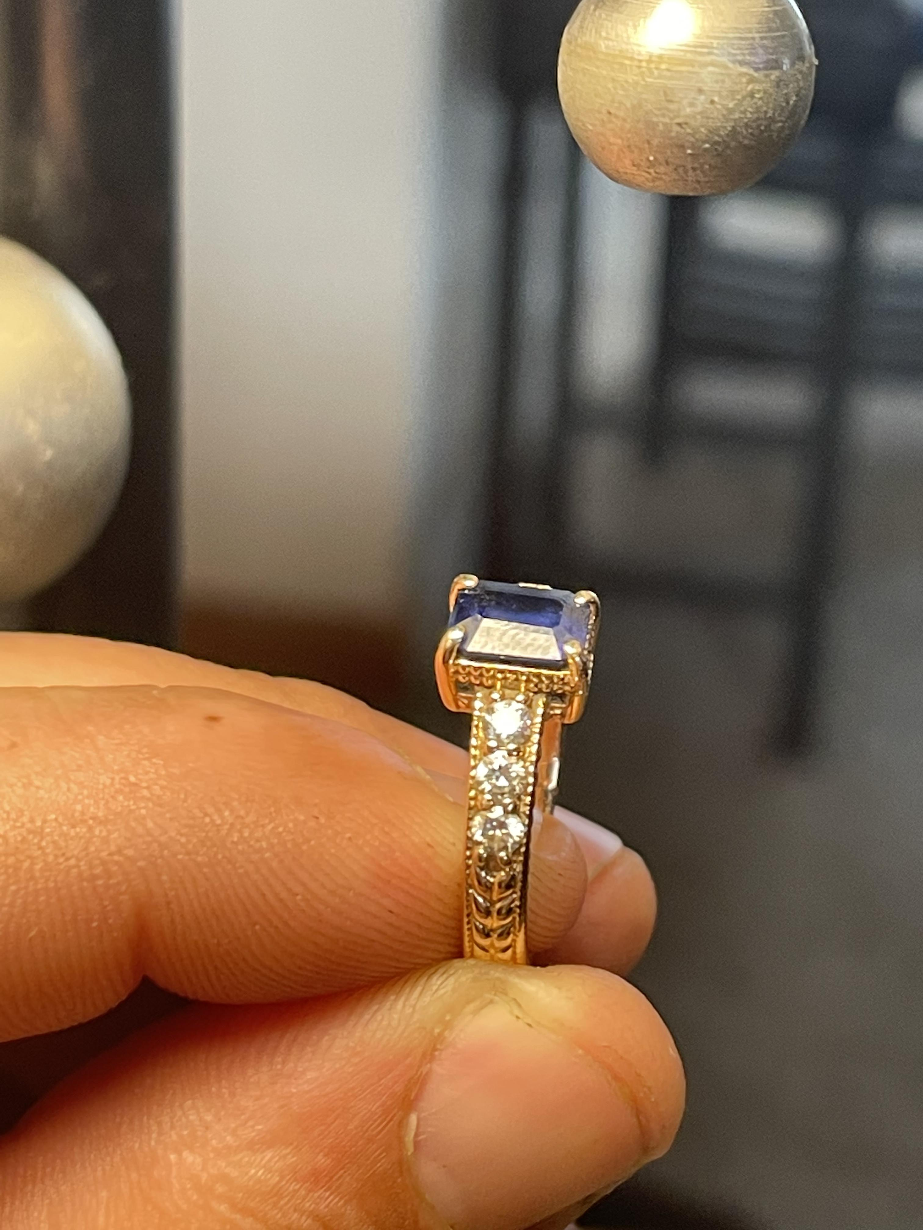 Engagement Ring Blue Sapphire