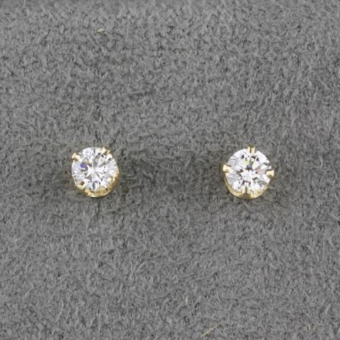 Ideal cut diamond studs