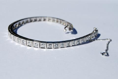 Classic White Gold Diamond