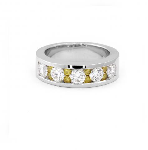 Contemporary Band Ring With