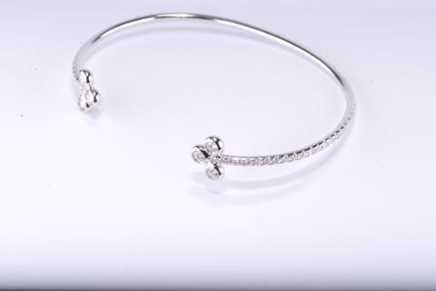 18-K Diamond Cuff-Bracelet in