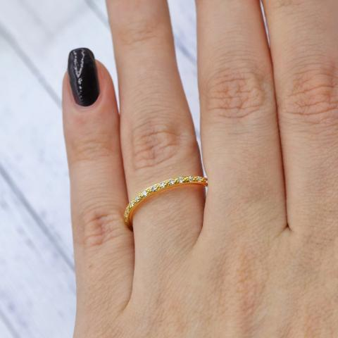 Precious Yellow Gold Half-way