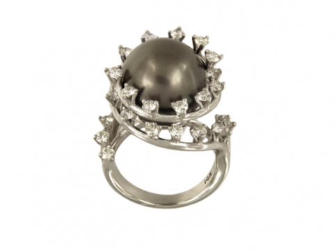 Exquisite Tahiti Pearl with