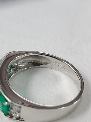 Colombian emerald ring set