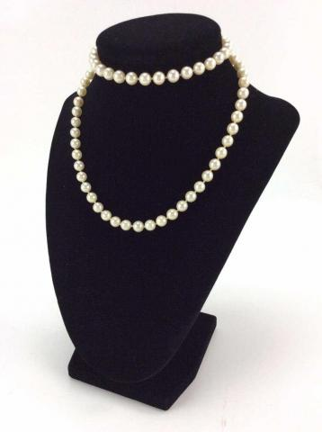 Gorgeous cultured pearl necklace