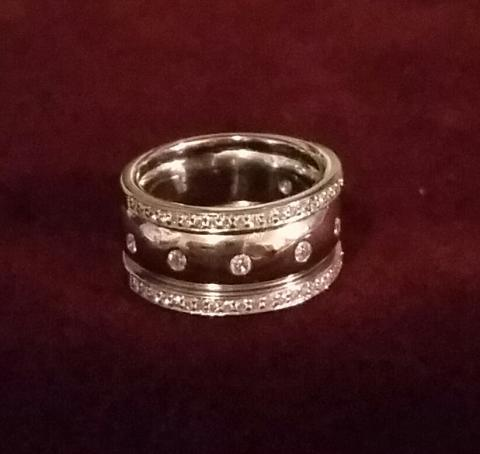 Ladies Genuine Diamond Ring,