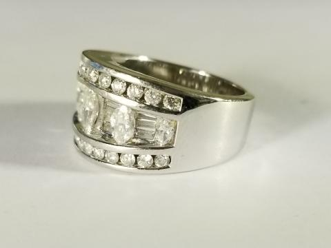14K White Gold Marquise