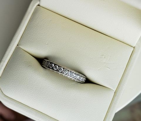 Ladies Platinum Eternity Band