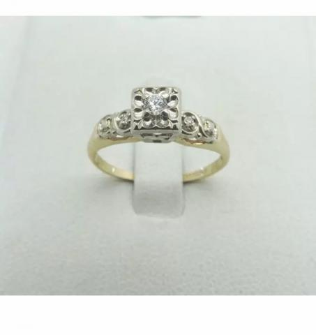 Antique Round Diamond Wedding