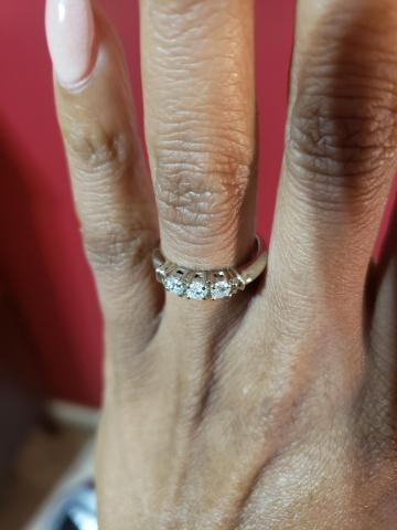 Round Diamond Wedding ring