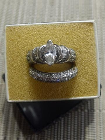 Multiple Marquise diamond setting