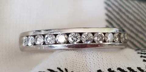 Women's Diamond Channel Set