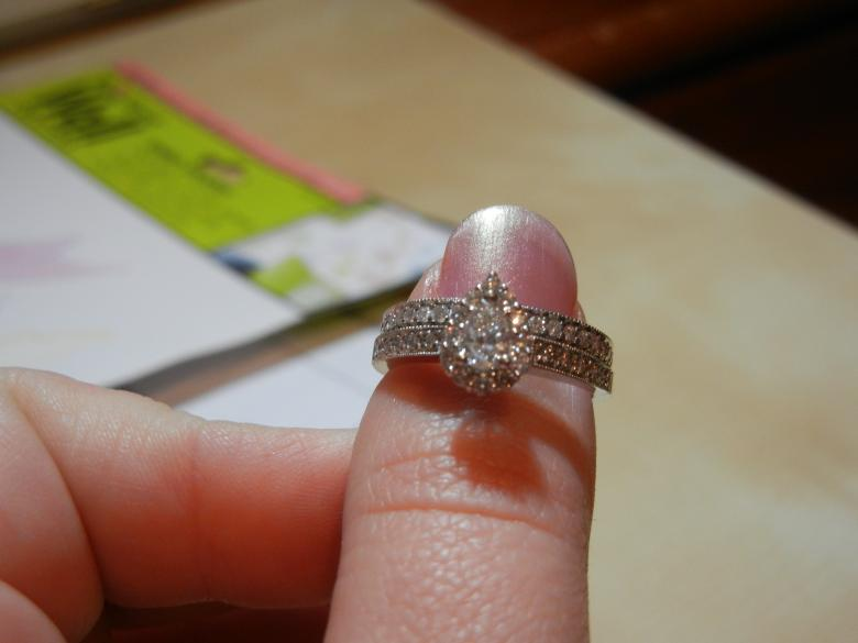 78 ctw pear shaped bridal set bought from zales the diamond store i do now i dont - Pear Shaped Wedding Ring Sets