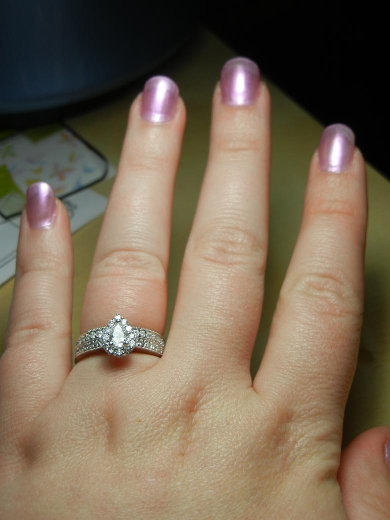 7/8 Ctw Pear Shaped Bridal Set Bought From Zales The Diamond Store