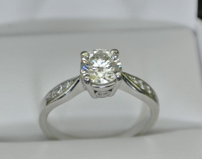 Platinum Engagement Ring Diamond 79 Carats Size 5