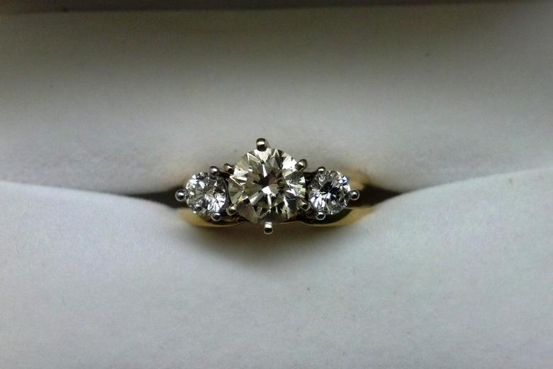 Diamond Engagement Ring 1 26 Carats set in 18K gold Listing is for engagemen
