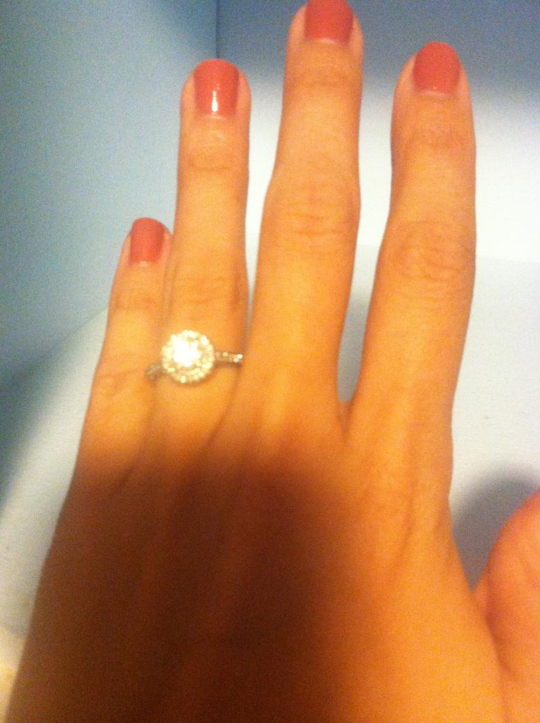 Vintage Round Halo Diamond Engagement Ring
