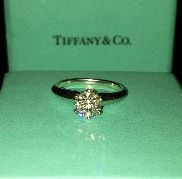 8688e8e2715c TIFFANY   CO Diamond Engagement Ring (0.75 Carats)