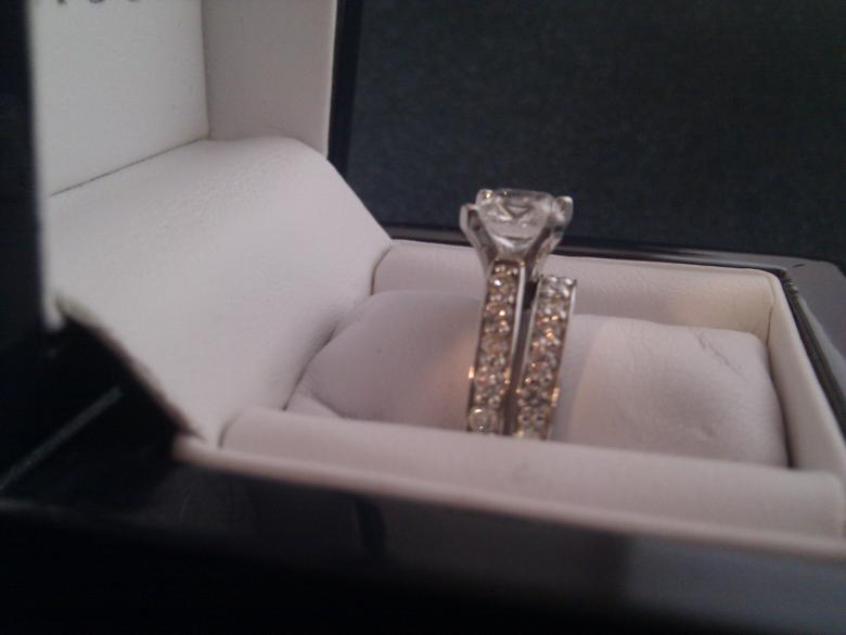 1.01ct Engagement ring w/