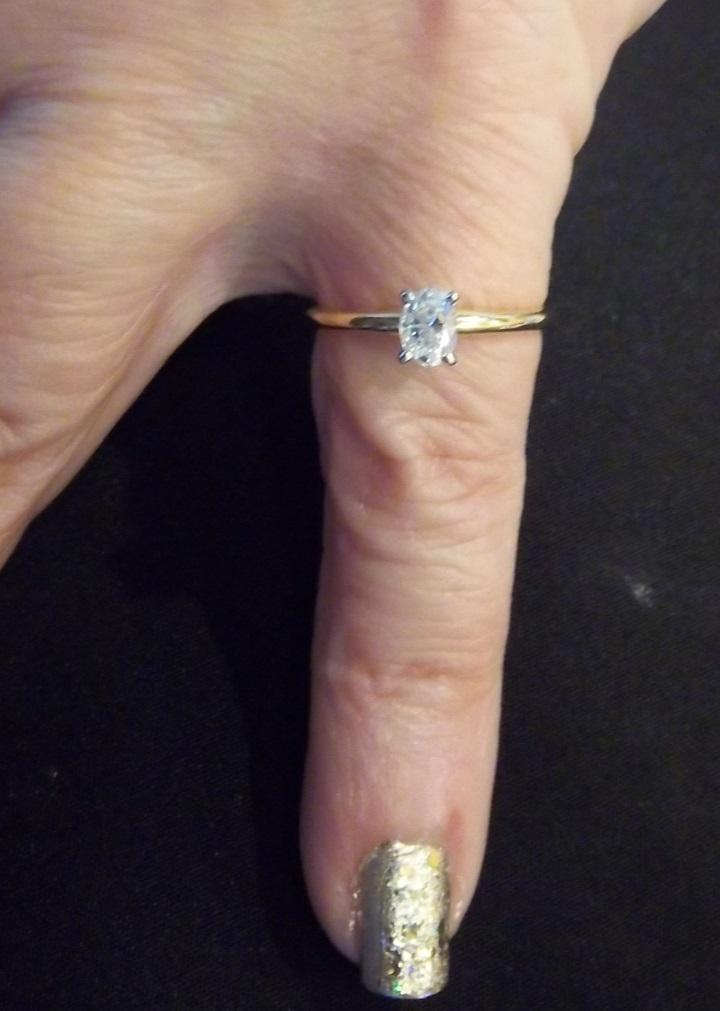 Dainty and Sparkling Oval