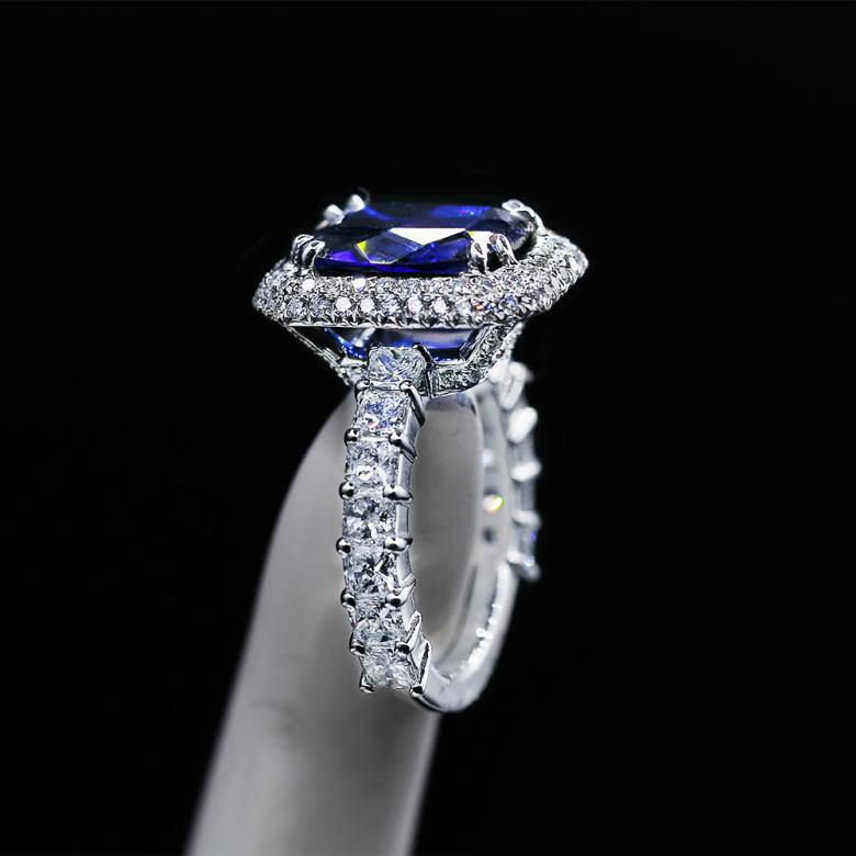 Charming Color Stone Cocktail