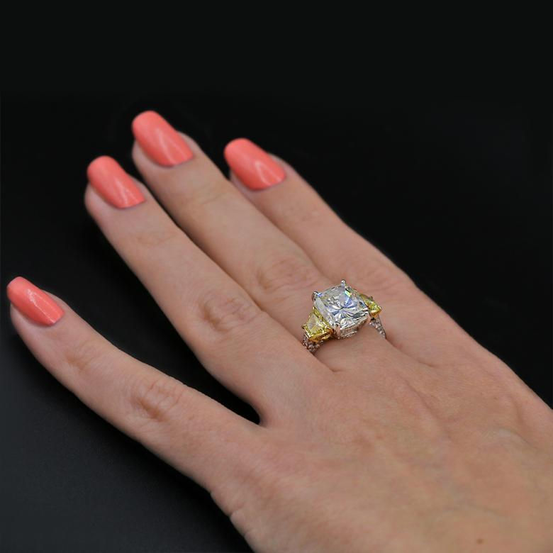 Video!!!Certified cocktail Ring with