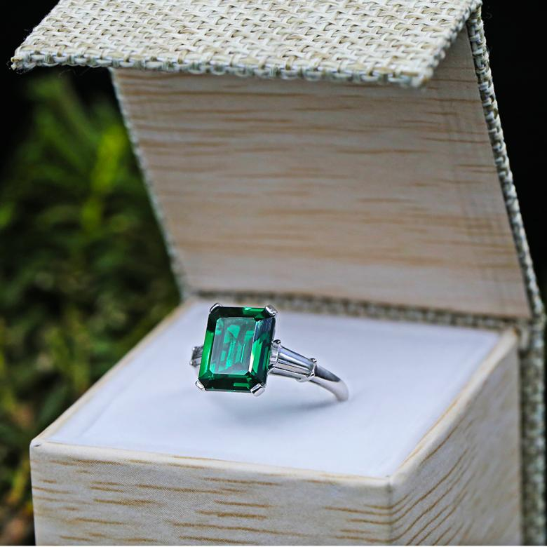Engagement Ring with 6.00ct