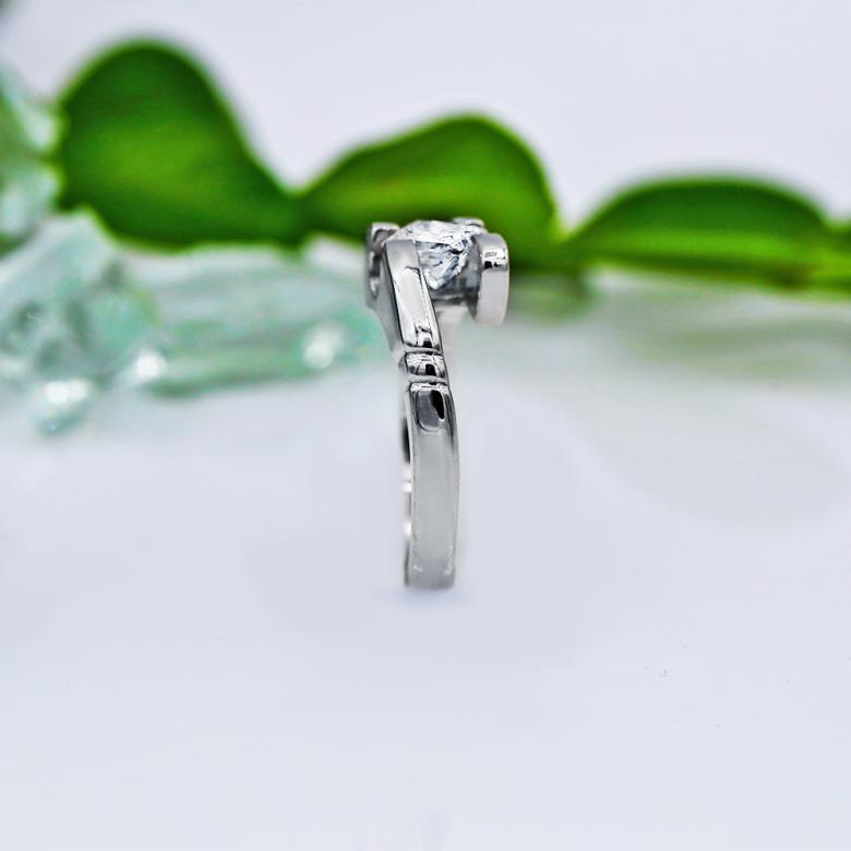 Solitaire Engagement ring with